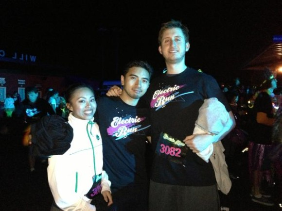 Freelance blogger for hire (Me in the center with my girlfriend and buddy at the electric run in San Francisco.)